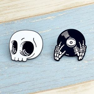 """2pcs """"We Are Obsessed with Music"""" Pin Set"""